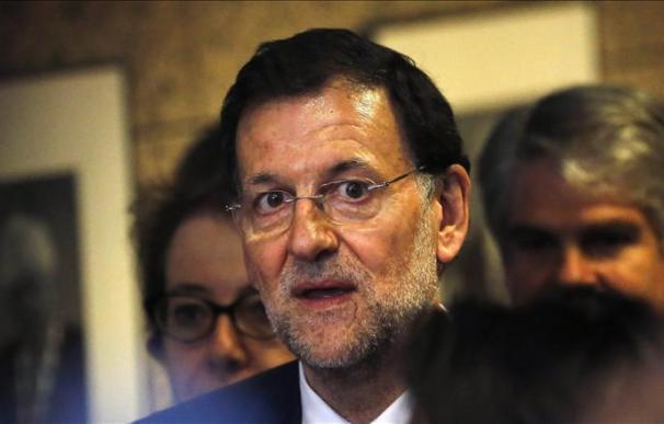 Rajoy dice que no se plantea pedir a Europa la compra de deuda española